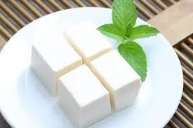 食べ方次第でダイエットの味方に!絹豆腐のカロリーや効果まとめのサムネイル画像