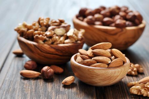ナッツでダイエット!?ナッツは太るのを防いでくれるおすすめ食材のサムネイル画像