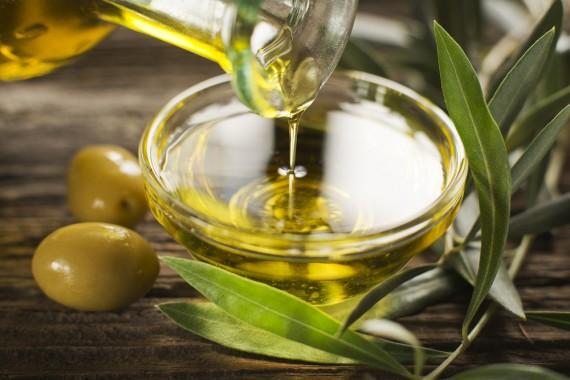 【オリーブオイルは太る?】オリーブオイルとダイエットの関係のサムネイル画像