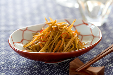 きんぴらごぼうのカロリーってどれくらい?気になる和食のカロリーのサムネイル画像