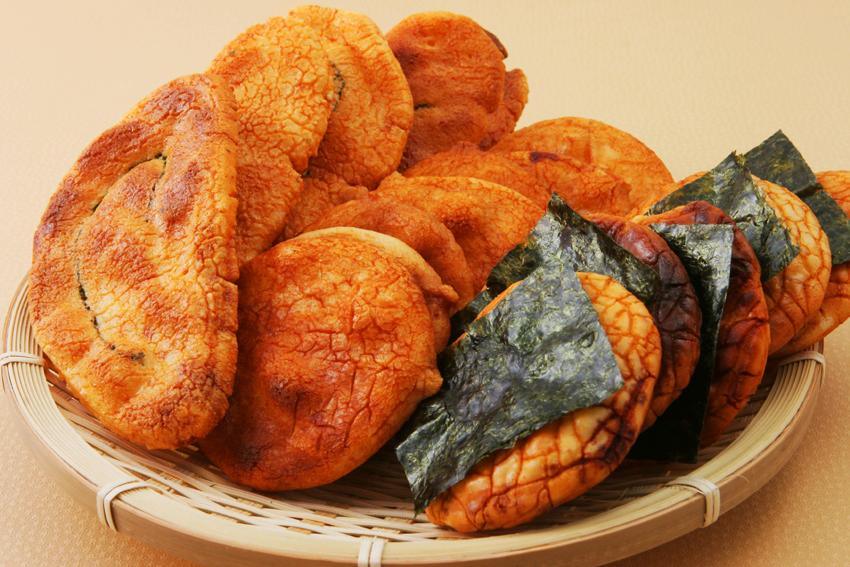 おせんべいを食べると太るって本当?おせんべいの意外な栄養素は?のサムネイル画像