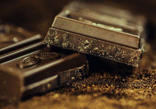 チョコレートに含まれる成分をチェック!健康に良い秘密を探ります!のサムネイル画像