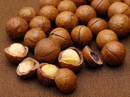マカダミアナッツのカロリーとその意外な栄養価とは?知らないと損!のサムネイル画像