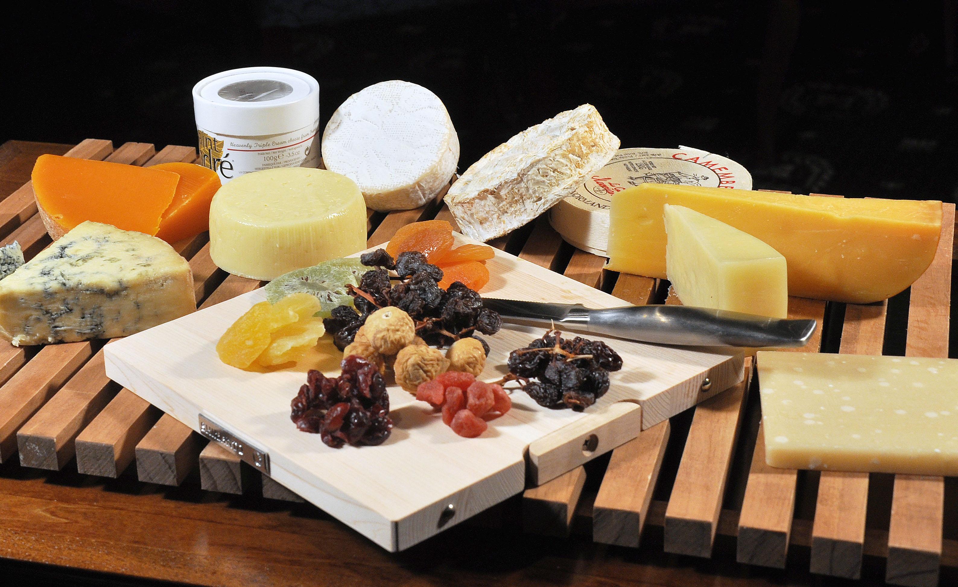チーズの栄養素をご紹介!知らなかったチーズの一面が見えるかも!?のサムネイル画像