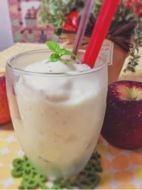 【悩み別】毎日でも摂りたい!体にうれしいりんごのスムージーのサムネイル画像