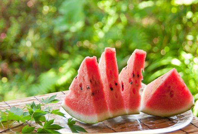 夏にぴったりの甘い果物「すいか」  カロリー&栄養・効能をご紹介♪のサムネイル画像
