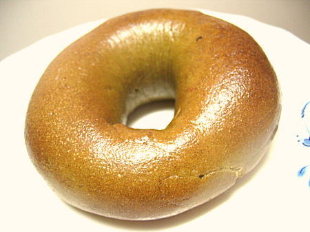 ダイエット中にパンが食べたくなったらベーグルを食べよう♡のサムネイル画像