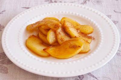 りんごダイエットの効果は?りんごの低カロリーレシピもご紹介!のサムネイル画像