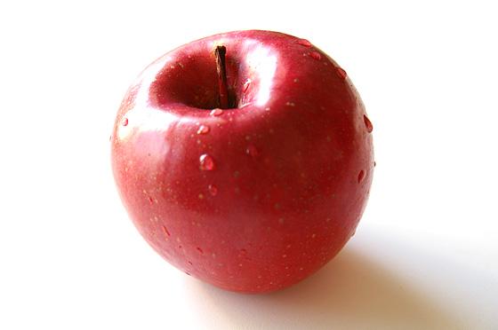 皮まで栄養がある?何気なく食べているりんごのカロリーや栄養効果のサムネイル画像