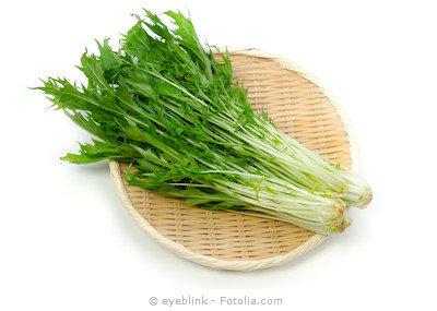 お鍋にサラダに大活躍!シャキシャキ美味しい水菜の栄養を調べよう!のサムネイル画像