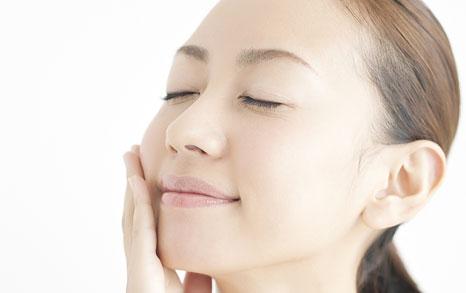 美肌だけじゃない!コラーゲンって体の中でどんな効果を発揮するの?のサムネイル画像