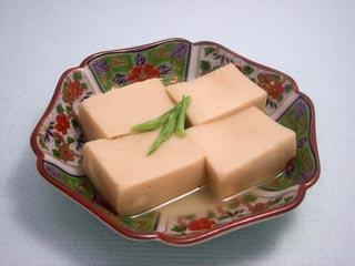 健康美人!高野豆腐でカロリーをおさえて効率的にダイエットしよう!のサムネイル画像