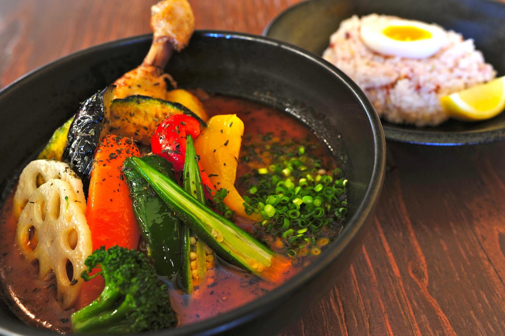 栄養満点!!スープカレーのカロリーと驚きの栄養効果を調査!のサムネイル画像