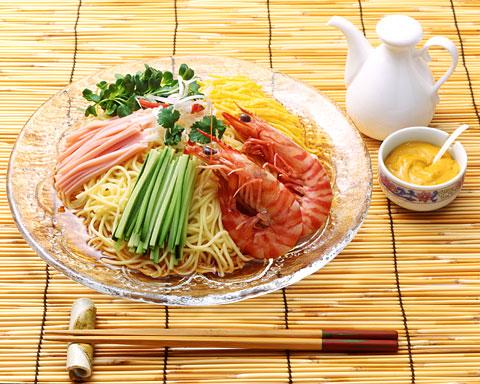 ダイエット中に冷麺は大丈夫!?冷麺のカロリーとその栄養効果の真実のサムネイル画像