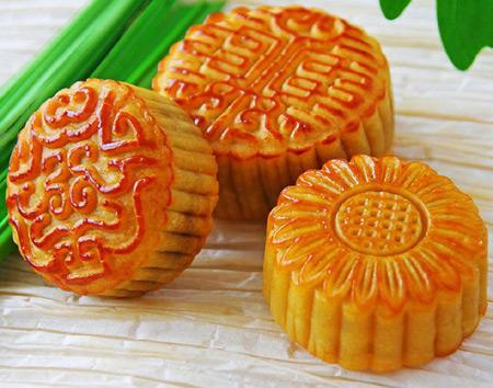 食べすぎ注意!中華菓子の定番「月餅」のカロリーをご紹介します!のサムネイル画像