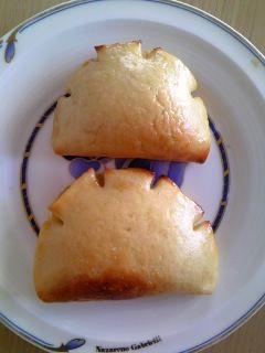 やっぱり食べたいクリームパン。カロリーに気を付けて賢く食べよう!の画像