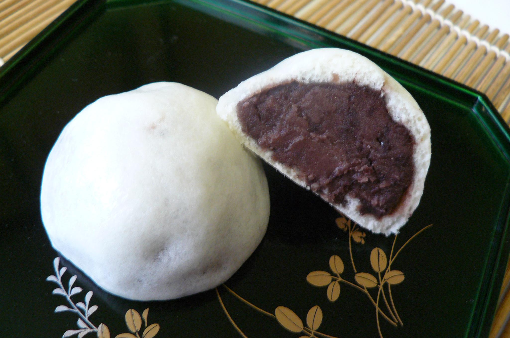 饅頭は何かと日本ではお茶請けとして食べます。カロリーはどうなの?のサムネイル画像