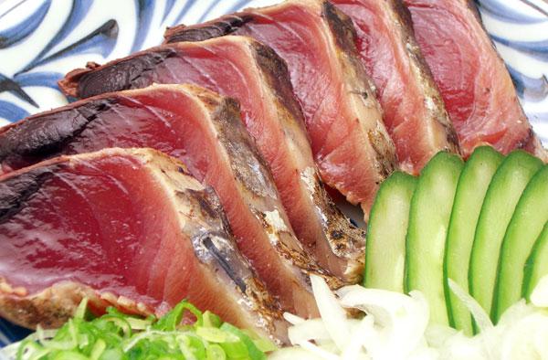 低カロリーのかつおのたたき。女性にうれしい栄養がいっぱい!のサムネイル画像