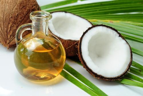 美容や健康だけじゃない!ココナッツオイルはクレンジングに使える!のサムネイル画像