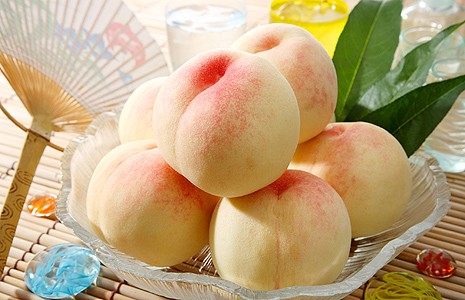 甘くてジューシー♡絶品!ウマウマ桃のカロリーと美味しい食べ方♪のサムネイル画像