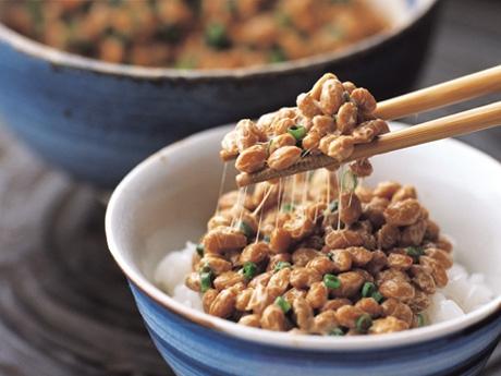 納豆は太る?知らないと損する納豆ダイエットの秘密にせまるのサムネイル画像