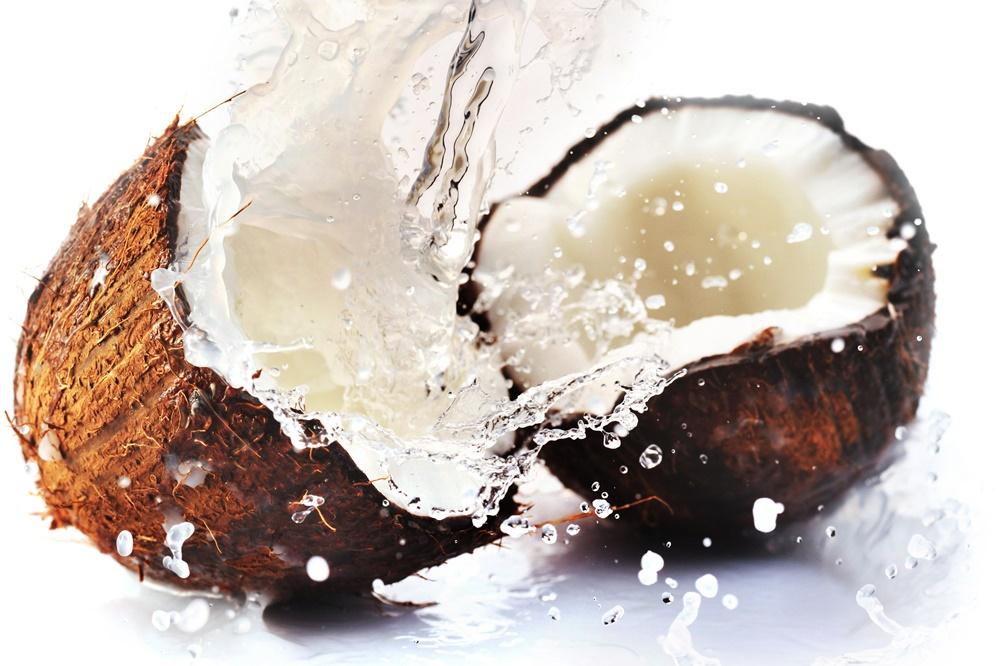 ココナッツオイルは独特の風味?普段使いもOKな味を壊さないオイルのサムネイル画像