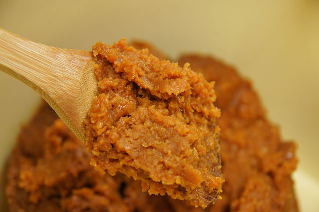【味噌のカロリー】味噌とダイエットの関係とは?気になる味噌の秘密のサムネイル画像