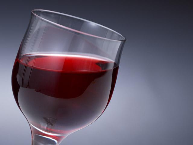 ワインは太る?気になるワインのカロリー!飲むなら赤白どっち?のサムネイル画像