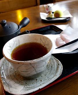 美容の友「紅茶」でカロリー減、そして復活国産『和紅茶』の魅力のサムネイル画像