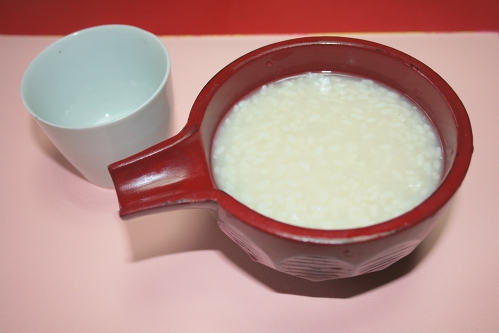 米麹の甘酒を太るスイーツの換わりに食べて健康的なダイエット!のサムネイル画像