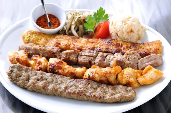 みんな大好き!ケバブのカロリーとダイエット中の美味しい食べ方のサムネイル画像