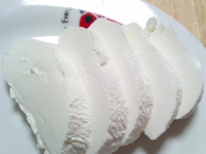 チーズみたいで低カロリー?水切りヨーグルトの美味しい食べ方のサムネイル画像