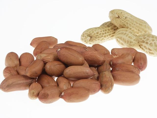 ニキビの原因とういうのは嘘?実は美肌に効果的なピーナッツ。のサムネイル画像