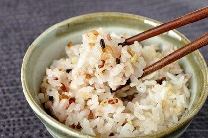 雑穀米でダイエット!?誰でも試せる簡単ダイエットをご紹介♪のサムネイル画像