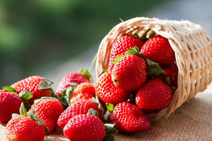 真っ赤な宝石「いちご」甘いいちごのカロリーや旬、栄養をご紹介!のサムネイル画像