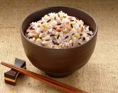 雑穀米ってどういいの?雑穀米を使った低カロリーレシピもご紹介!のサムネイル画像