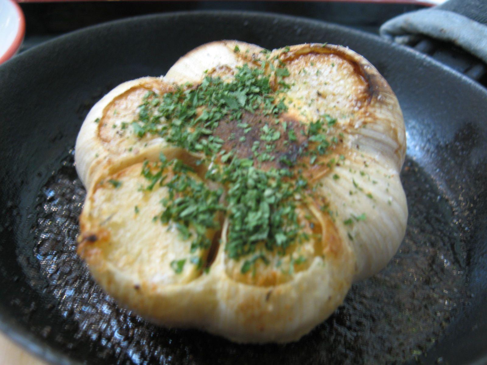 低カロリーなのにガツンとおいしい!にんにくを使ったヘルシーレシピのサムネイル画像