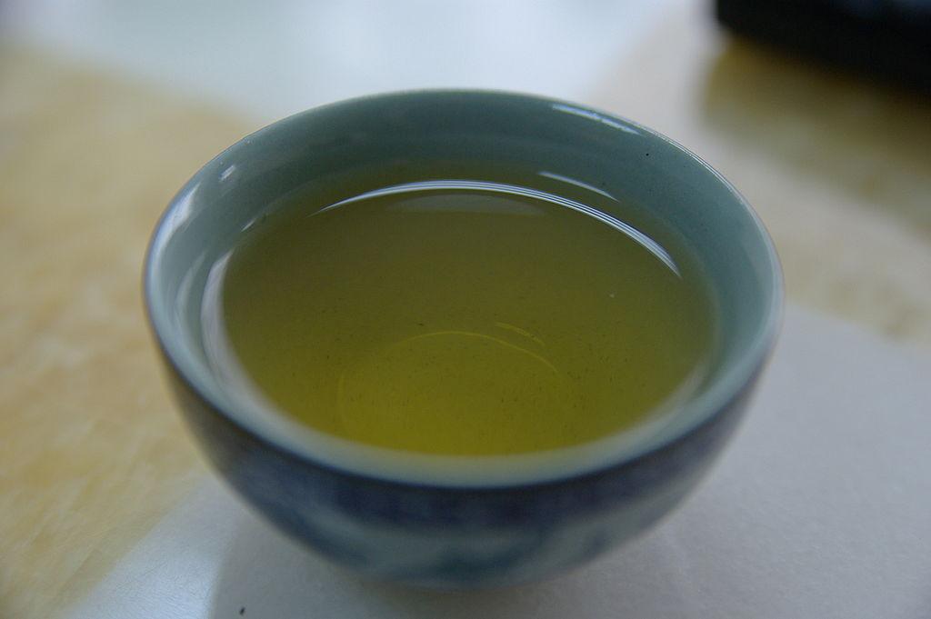 ほっと一息緑茶タイム♪意外と知らない、緑茶のもつすごい効能!のサムネイル画像