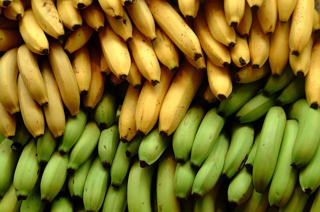 かわいい黄色にスリムなフォルム!あま〜いバナナの驚くべき効能!のサムネイル画像