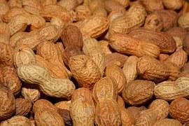 カロリー高めでも食べる価値あり♪落花生のカロリーとその栄養効果のサムネイル画像
