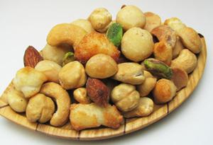 栄養の宝庫ミックスナッツの知っておきたいカロリーと栄養効果のサムネイル画像
