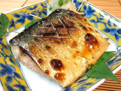 定食屋さんのメニューには必ずある!鯖の塩焼き♪そのカロリーと栄養のサムネイル画像