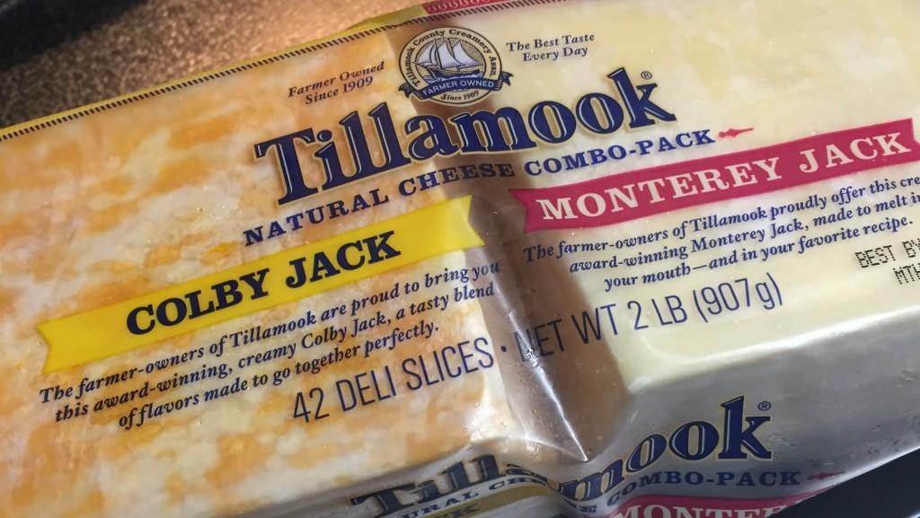 ダイエットの大敵!?それとも味方?スライスチーズの栄養とカロリーのサムネイル画像