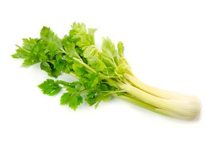 香りがとても特徴的なセロリ!そのセロリの栄養とその効果とは?のサムネイル画像