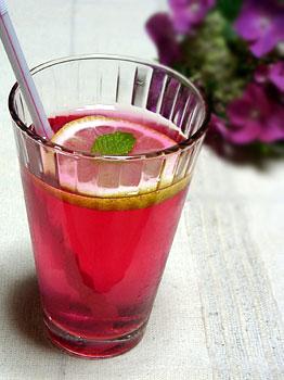 きらきらキレイな、しそジュース♪しそには驚きの栄養がいっぱい!のサムネイル画像