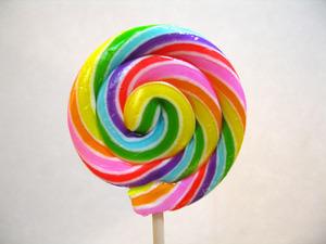どこにでも売っている飴を舐めるだけ!簡単な飴ダイエットの実践法のサムネイル画像