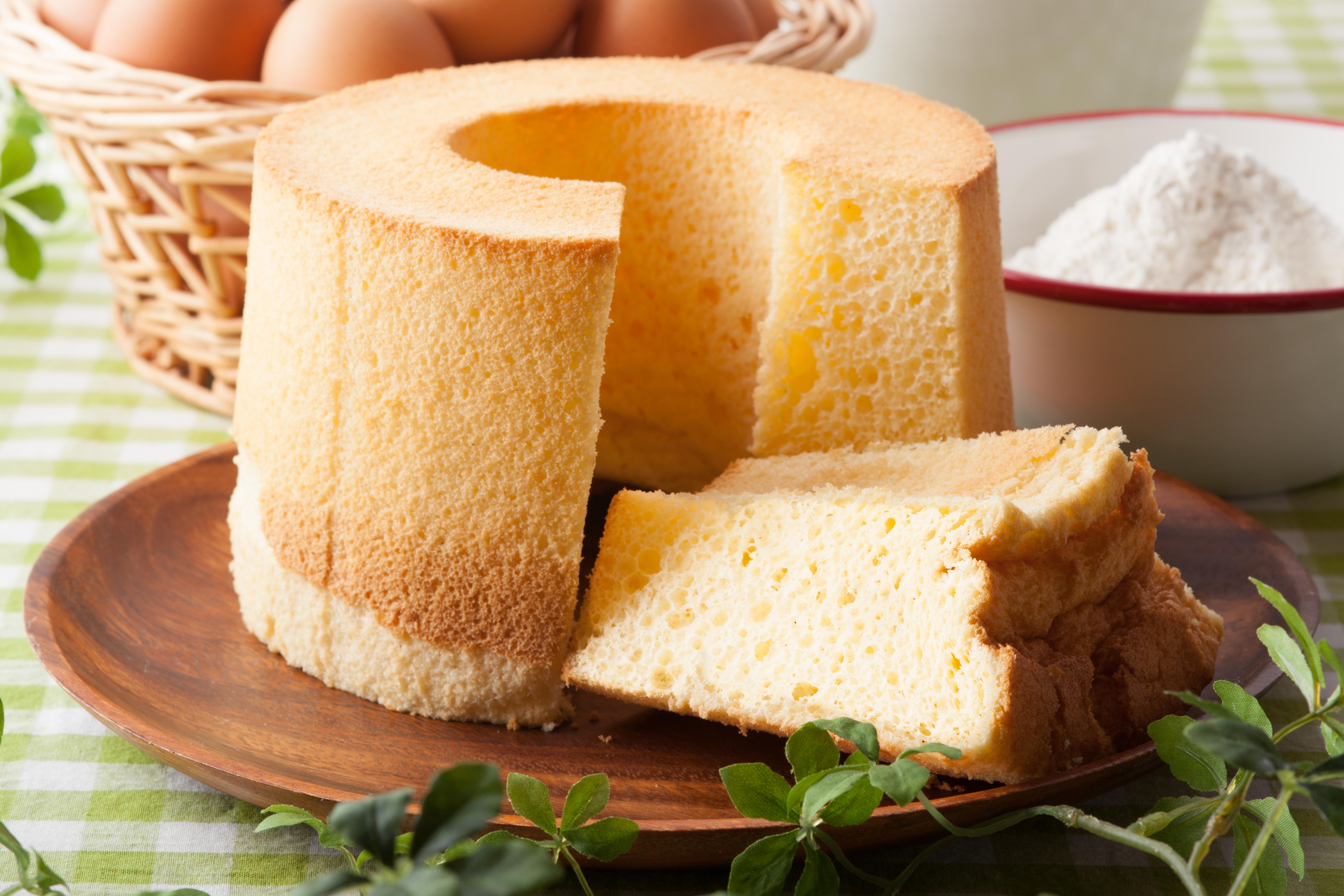 紅茶のお供!シフォンケーキの意外なカロリーとその栄養効果のサムネイル画像