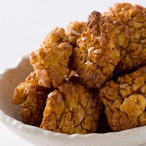 ついつい手がのびる!おかきのカロリーと手作りレシピをご紹介!のサムネイル画像