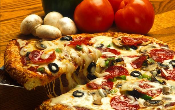 たまに無性に食べたくなるピザ!気になるカロリー調べました^^!のサムネイル画像